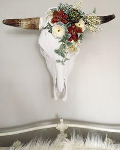 Elegant Bohemian Decor: Bohemian Floral/ Succulent Cow Skull Wall Decor by. Cow Skull Decor, Cow Skull Art, Elk Skull, Skull Head, Southwestern Home, Southwestern Decorating, Southwestern Bedroom Decor, Southwestern Style Decor, Modern Southwest Decor