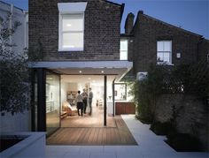 Paul Archer Design, Victoria Road, Teddington Extension I like floors that run from the inside to out - separated only by glass windows that reach the floor Glass Extension, Rear Extension, Extension Ideas, Victorian Terrace House, Victorian Homes, Modern Conservatory, Home Modern, Outdoor Flooring, House Extensions