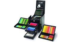 Karl Lagerfeld diseña esta elegante caja de todo tipo de lápices de colores - http://www.creativosonline.org/blog/karl-lagerfeld-disena-esta-elegante-caja-tipo-lapices-colores.html