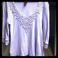 Beatiful top size L Lila color Nice and good condition top with beatiful design of flowers in front of the top and the sleeves (3/4 long sleeve) Lila color Barbara lesser Tops Tees - Long Sleeve