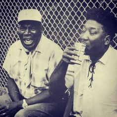 Howlin' Wolf and Muddy Waters. Two of the best Blues singers. My daddy gave me the greatest appreciation for the blues. Introduced us to men like this at a very young age. Thanks daddy and I'll see you on the other side! Music Icon, Soul Music, Music Love, Music Is Life, My Music, Muddy Waters, Jazz Blues, Blues Music, Delta Blues