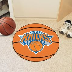 Let everyone know which College team reigns supreme when guests enter your home. Put your loyalty in plain view with this New York Knicks Basketball Mat by Fanmats. The nylon mat is chromojet painted