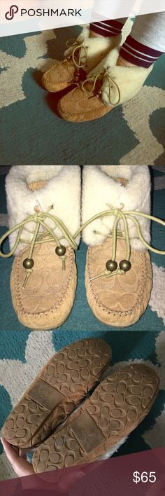 Coach Moccasins Awesome Coach Cailyn Moccasins. These are 6.5 but fit me fine with socks (i'm a 6). Bought these years ago but I wear my UGG boots more than these and that's why i'm selling them. They're in great condition. There is absolutely no damage so I won't accept any lowballs. If you want to see more pictures don't hesitate to ask and don't hesitate to make an offer :) Coach Shoes Ankle Boots & Booties