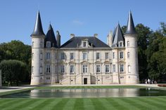 Château Pichon Longueville, Bordeaux, France #wine #architecture