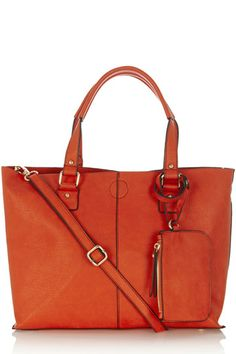 Now Magazine love this multi-tasking shopper bag from Oasis. It has a roomy zip compartment and double handle feature - there's room for all your essentials. Fashion Today, Latest Fashion, Womens Fashion, Style Fashion, Shopper Bag, Tote Bag, Oasis Uk, Now Magazine, Uk Sites