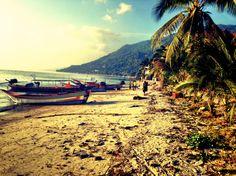 Mein Reisebericht über Koh Phangan Thailand. Dass es auf der Insel viel mehr als nur Full Moon Party zu erleben gibt, erfährst du hier.  http://flashpacking4life.de/reisebericht-koh-phangan-thailand/