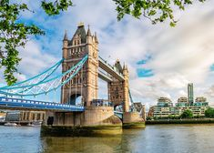 England in Pictures: 20 Beautiful Places to Photograph | PlanetWare Tower Bridge London, Tower Of London, London Landmarks, Famous Landmarks, Pictures Of England, Going On Holiday, River Thames, Beautiful Places, British Isles