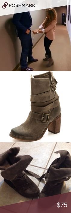 Jessie James Decker Jeffrey Campbell boots Same boots as JJD ! Size 8 great condition! I normally wear 8 in boots and they are too big - I love them but someone else can love them better :) Jeffrey Campbell Shoes Heeled Boots