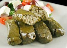 La cocina turca es rica y variada, y por supuesto exótica. descubre ese país a través de su gastronomía. Entre los platos tradicionales destacan: Sarma, borek, iskander o kofte.