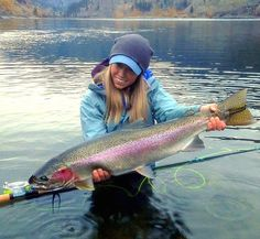 Freshwater fishing can be a great experience. Find out more about freshwater fishing including useful tips and how to stay safe when you are on the water. Fly Fishing Girls, Fly Fishing Gear, Fishing Bait, Gone Fishing, Best Fishing, Saltwater Fishing, Fishing Knots, Fishing Tackle, Fishing Stuff