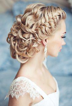 dauerhafte Brautfrisur-Flechtfrisur Zöpfe-glanzvoller Haarknoten