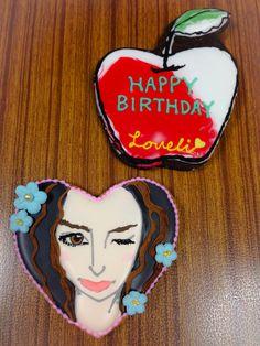 ラブリ似顔絵クッキー、リンゴのクッキー Icing, Happy Birthday, Cakes, Portrait, Desserts, Happy Brithday, Tailgate Desserts, Deserts, Urari La Multi Ani