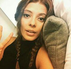 SELİN ŞEKERCİ Avengers Fanfic, Turkish Beauty, My Photos, Madrid, Actresses, Actors, Celebrities, Hair Styles, Instagram