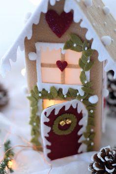 Christmas Gingerbread, Felt Christmas, Christmas Home, Handmade Christmas, Christmas Crafts, Christmas Decorations, Christmas Ornaments, Paper Bag Crafts, Felt Crafts
