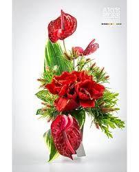 Risultati immagini per immagini composizioni floreali per piccoli vasi da loculo