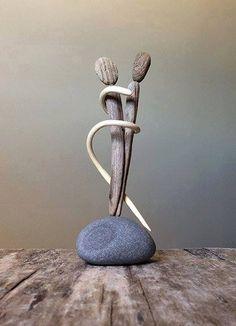 Pam Joy driftwood art on rock Rock Sculpture, Driftwood Sculpture, Driftwood Art, Ribbon Sculpture, Pebble Stone, Pebble Art, Stone Art, Stone Crafts, Rock Crafts