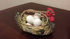 Check out this item in my Etsy shop https://www.etsy.com/listing/285389549/vintage-farmhouse-decor-chicken-basket