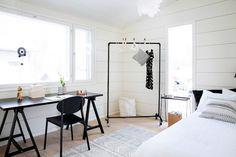 Markki - black and white bedroom
