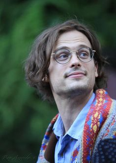 There is just SOMETHING about a sexy man in glasses!!!! Matthew Gray Gubler <3