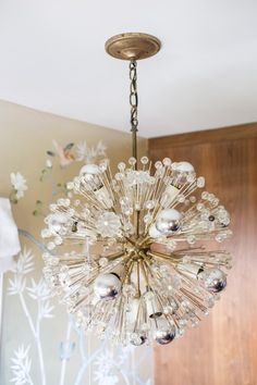 Feature light fitting.