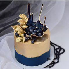 "Cakeideasfoto on Instagram: ""Repost @nadezda_axenova  Как Вам тортик ❓👇 #cake #cakedesign #cakes #cakedesign #cakestagram #cakedesigner #cakedecorating #cupcakes…"" Birthday Cake With Flowers, Beautiful Birthday Cakes, Beautiful Cakes, Amazing Cakes, Buttercream Cake, Fondant Cakes, Cupcake Cakes, Cake Decorating Supplies, Cake Decorating Techniques"