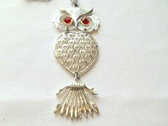 Vintage silver tone Owl pendent Necklace by houuseofwren on Etsy