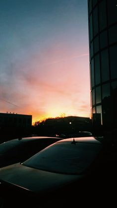 Pretty Sky, Beautiful Sunset, Beautiful World, Beautiful Places, Sky Aesthetic, Travel Aesthetic, Aesthetic Backgrounds, Aesthetic Wallpapers, Tumblr Photography
