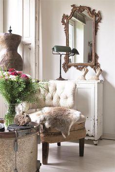 Shabby Chic Home Decor Shabby Chic Bedrooms, Shabby Chic Homes, Shabby Chic Furniture, Cabin Furniture, Vintage Furniture, Estilo Shabby Chic, Vintage Shabby Chic, Vintage Dress, Shabby Cottage