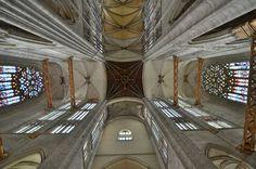 Cathédrale Saint-Pierre . Beauvais (Oise) - Picardie.Le choeur gothique le plus haut du monde : 48,50m