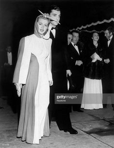 1940: Hollywood actress Lana Turner (1921-1995) with Gregory Bautzer at the premiere of the MGM epic 'Gone With The Wind'.