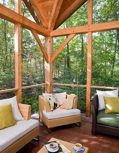 Love the timber frame. It feels like a tree house.