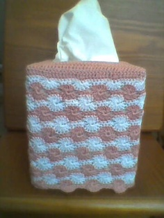 IJ1 Pink and White Crocheted Tissue Box Cover