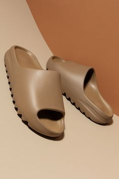 Fashion Sandals, Shoes Sandals, Cute Shoes, Me Too Shoes, College Shoes, Swag Shoes, Dream Shoes, Types Of Shoes, Beautiful Shoes