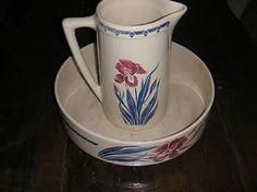 ancien necessaire de toilette broc et cuvette faience luneville decor iris keramika art deco. Black Bedroom Furniture Sets. Home Design Ideas