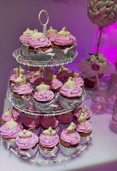 Cupcakes decorados con coronitas de chocolate