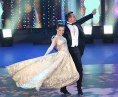 Agatha Moreira flutua no palco do 'Dança' em noite de valsa (Foto: Carol Caminha/Gshow)
