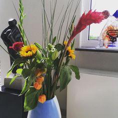 Een vers boeket gemaakt met o.a. #zonnebloem #gladiolen #lelie #roos