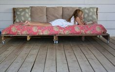 Pallet Daybed for Girls