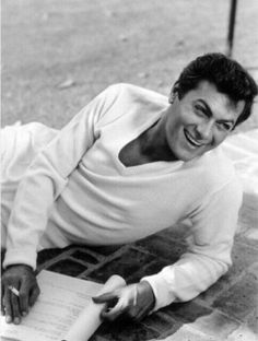 What a hottie Tony Curtis
