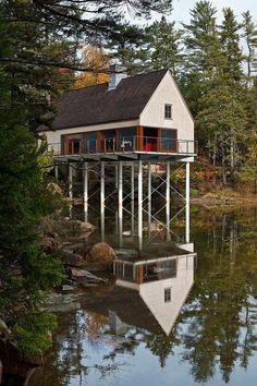 Pond Residence by Elliott Elliott Architecture