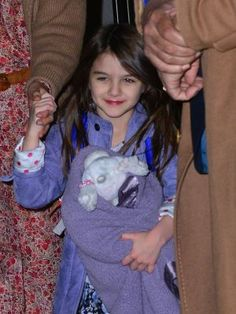 Katie Holmes lets Suri Cruise out in public on a regular with pajamas.. #YouSleepInThose #pajamas #bedclothes #HouseShoes #Bathrobes #nightgowns #lingerie #sleepwear #lol #lmao #tackybutpopular