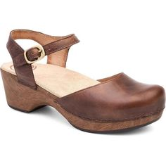 Dansko Women's Sam Teak Vintage Pull Up Clogs & Mules (2,455 MXN) ❤ liked on Polyvore featuring shoes, brown, clog mules, dansko clogs, leather upper shoes, shock absorbing shoes and vintage shoes