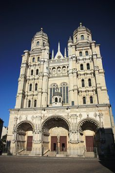 St Michael's church in Dijon - Burgundy, France Fort Bragg, Toulouse, Burgundy France, Loire Valley, Beau Site, Clermont Ferrand, Beautiful Paris, Ville France, Cathedral Church