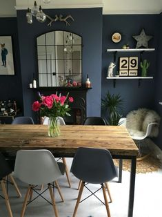 Internal Home Design: dark blue dining room walls Farmhouse Dining Room blue Dark design Dining home Internal Room Walls Dining Room Wall Decor, Dining Room Design, Dining Room Sets, Small Dining Rooms, Dinning Room Colors, Living Rooms, Dining Room Fireplace, Private Dining Room, Small Living