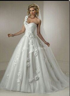 Sweetheart neckline one shoulder wedding dress