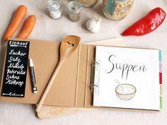DIY Kochbuch mit Tafelfolie und Handletterin