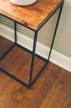 Ikea Hack Side Table, from http://thecleverbunny.com via http://manmadediy.com