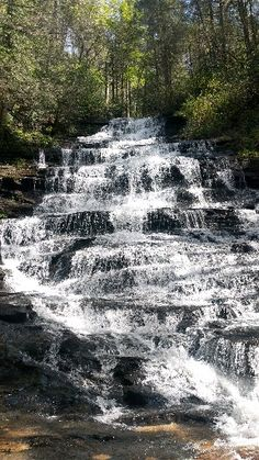 Great Images Save Minnehaha Falls is a gem! Beautiful Photos Of Nature, Beautiful Nature Wallpaper, Beautiful Places To Travel, Amazing Nature, Nature Photos, Beautiful Landscapes, Beautiful Pictures, Amazing Places, Beautiful Waterfalls