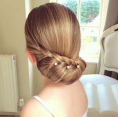 penteado-cabelo-preso-coque-baixo-perolas