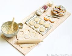 My 1000 Watcher Giveaway prize was a randomly drawn winner's choice of a prep board. won and she chose a sugar cookie prep board. This prep board includes: a mixing bowl and spoon covered in cookie. Diy Doll Miniatures, Polymer Clay Miniatures, Polymer Clay Charms, Barbie Food, Doll Food, Miniature Crafts, Miniature Food, Clay Crafts, Fun Crafts